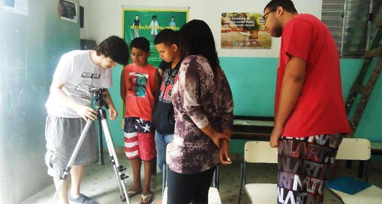 Jovens produzem filme